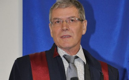 Francezul Carriere a devenit Doctor Honoris Causa al Universității din Oradea (FOTO)