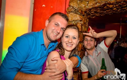FOTO: Saturday Party in Downtown in 05 Octombrie 2013