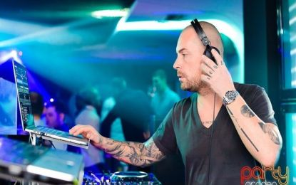 FOTO: DJ Adi Eftimie în Avenue The Club
